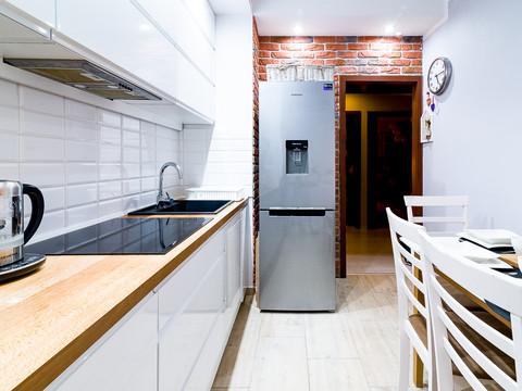 Zdjęcia_wnętrza-_kuchnia_w_mieszkaniu_00