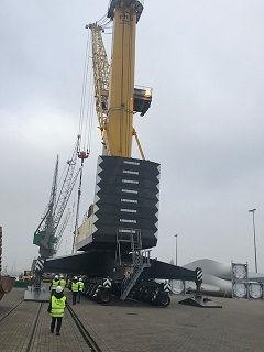 lift mobile crane 208T.jpg