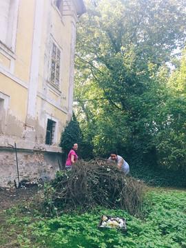 Lenka Lipšová a Lenka Šírlová zápasily s břečťanem.