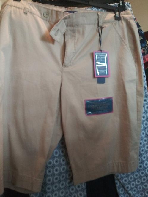 bandolino tan shorts