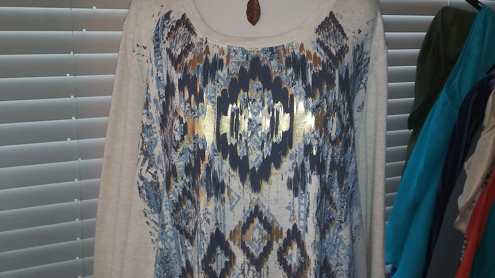 southwest t shirt w/feather necklace