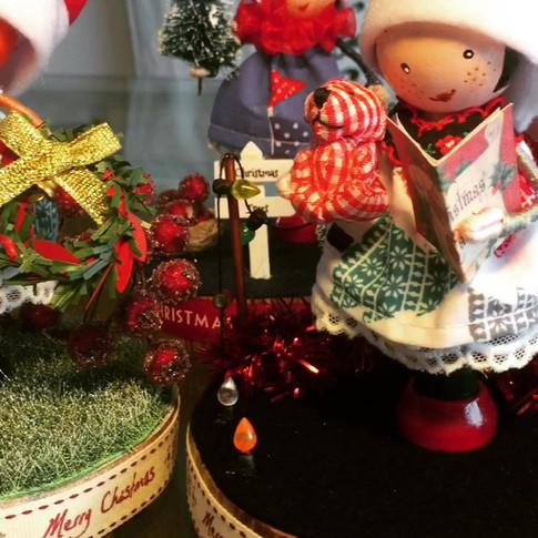 Christmas peg dollies