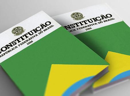 'Sou escravo da Constituição', diz Bolsonaro sobre sanção a fundo eleitoral
