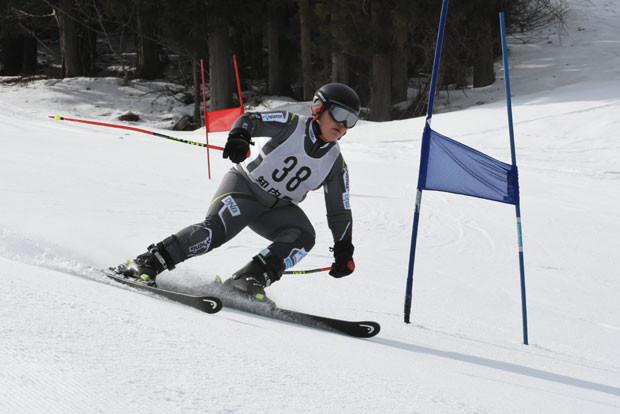 知小2019-スキー清八杯で子供たち頑張る