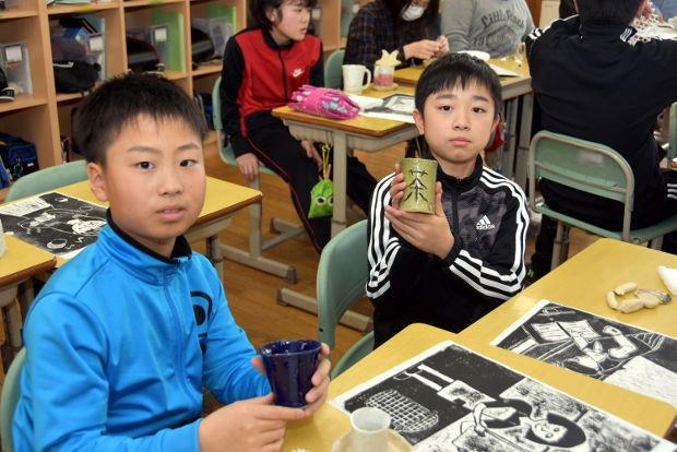 知小2019-6年生が記念に作った陶芸作品 なかなかの味