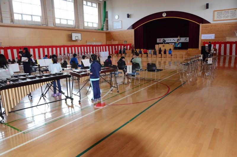 知小ー入学式前の準備の様子