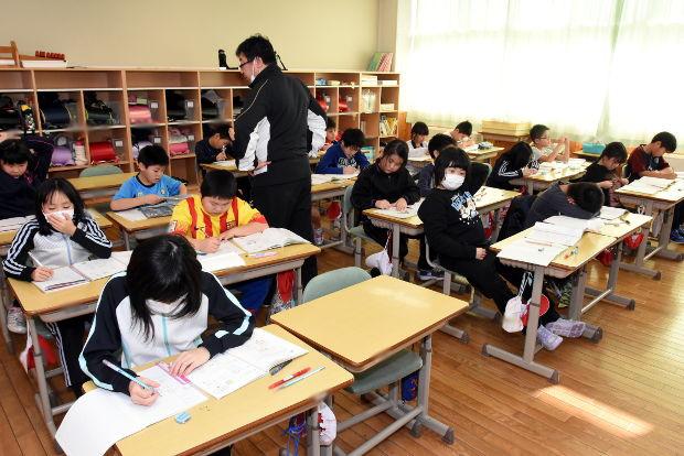 知小2019-3年生の教室で