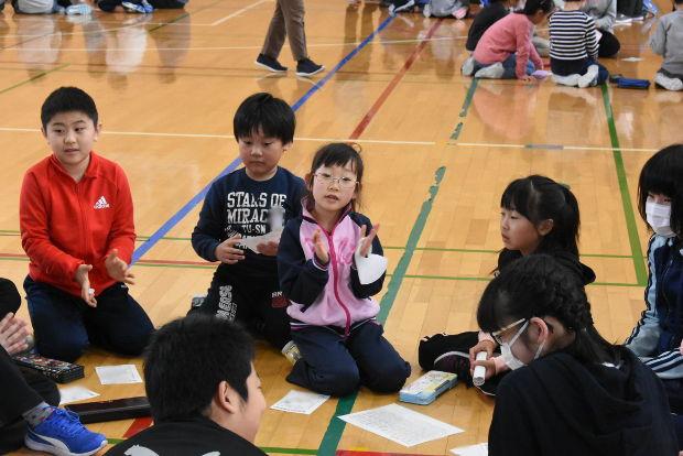 知小2019-全校朝会で友だちと仲良くするために1年間頑張った事を交流