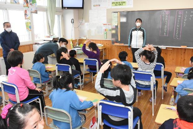 知小2019-新1年生1日体験入学 1年生の教室で
