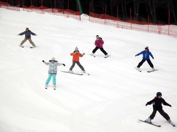 知小2019-中学年スキー授業 スキー場に感性が響き渡る