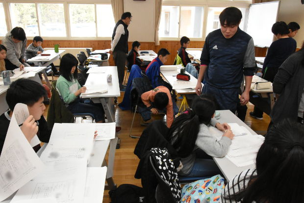 知小2019-5年生の春休み学習会 異動する担任も応援に