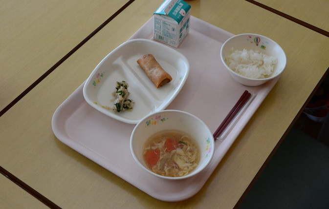 知小ー1年生の給食の初めての献立