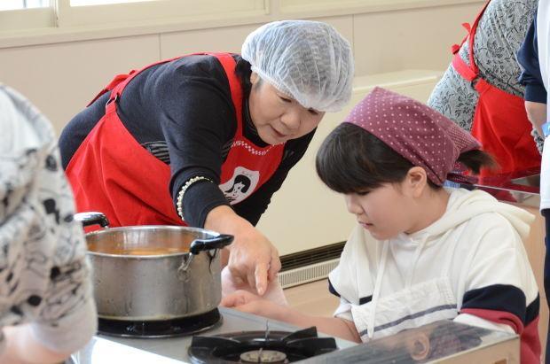 知小2018-4年生JAの協力で食育