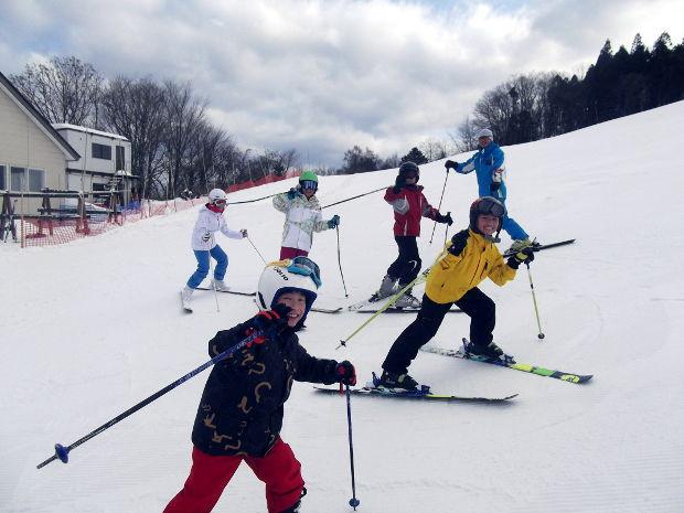 知小2019-中学年スキー授業 上級グループは連盟の方に