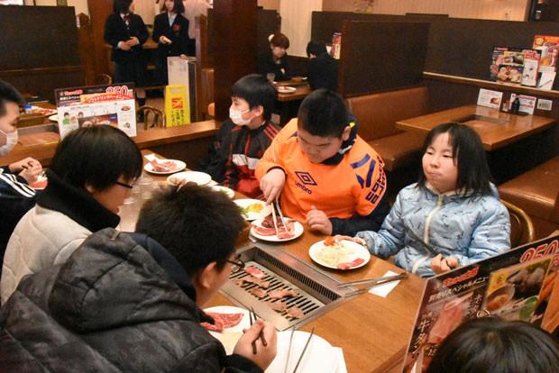 知小2019-ドッヂボール全道大会 すたみな太郎さんで夕食