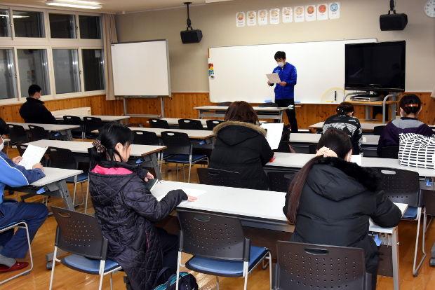 知小2019-ドッヂボール全道大会前の保護者会の様子