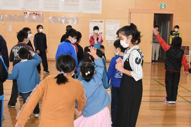 知小2019-新1年生1日体験入学 5年生とオニごっご