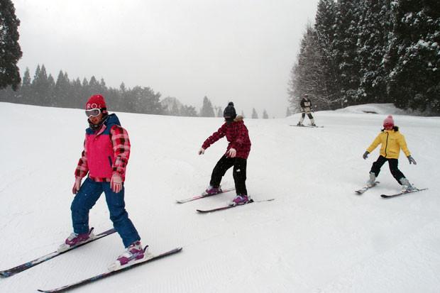 知小2019-高学年スキー教室の様子