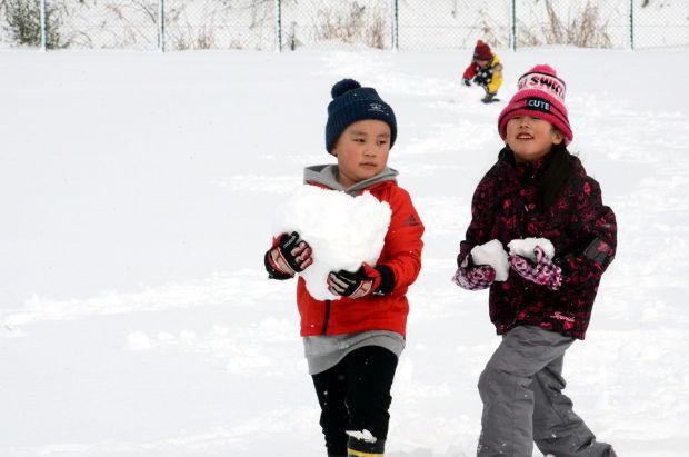 知小2018-1年生雪遊び