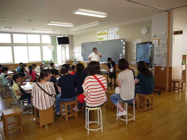 知小2018-算数の授業を行う3年生