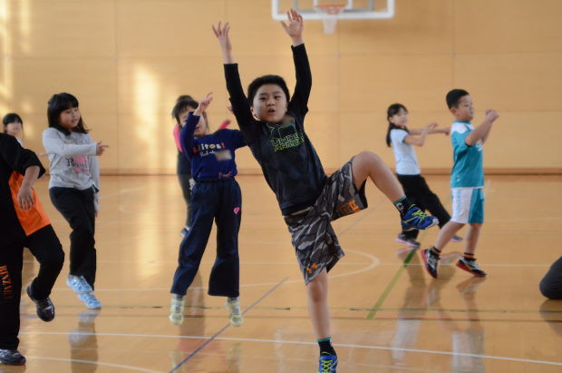 知小2018-教育大生による2年生のダンス教室