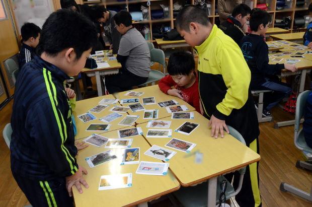 知小2018-5年生図工サークル公開授業 絵画カードを並べて・・・
