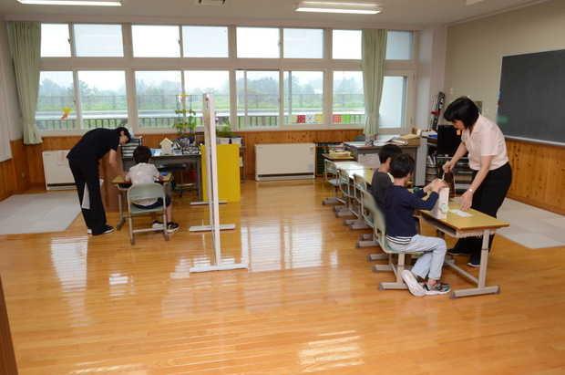 知小2018-知小2学期始業式当日の学級の様子
