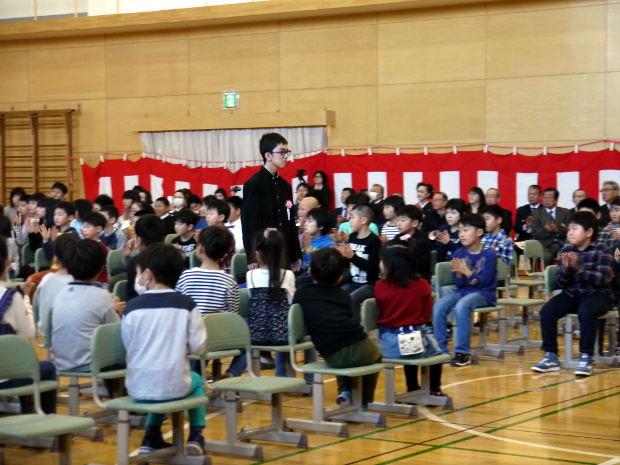 知小2019-卒業式の入場