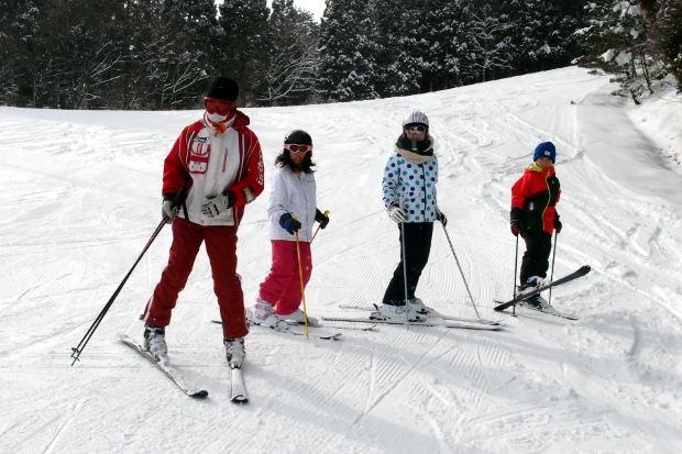 知小2019-4年生初めてのスキー授業