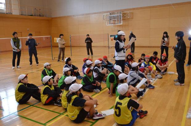 知小2018-4年生の体育の公開授業