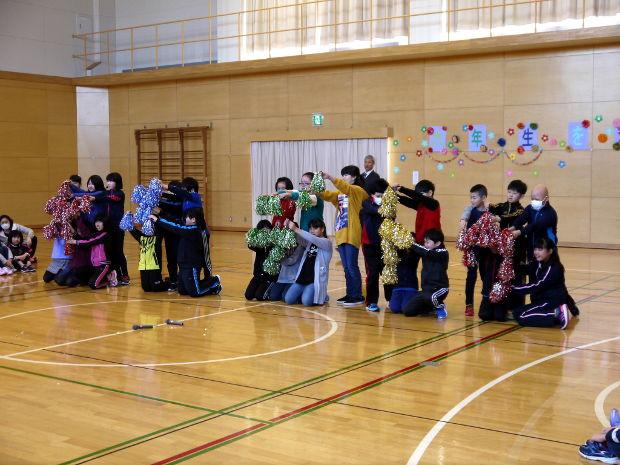 知小2019-6年生を送る会 4年生の出し物