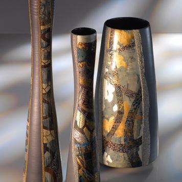 Rythmes.Ensemble de vases en céramique laquée.