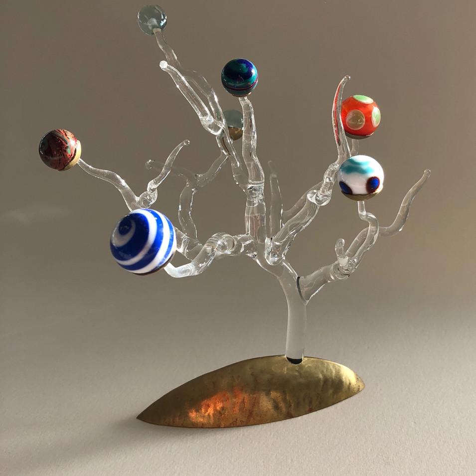 Sculpture. Laiton et perles de verre