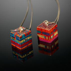 Pendentifs cubes, bois laqué