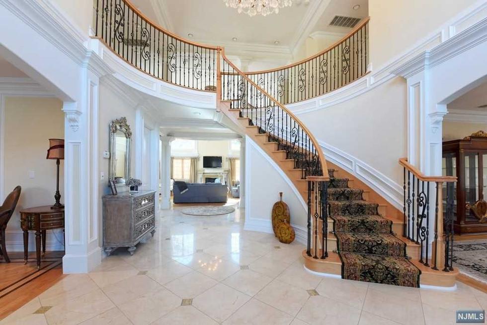 Active Real Estate Listing | Fort Lee, NJ
