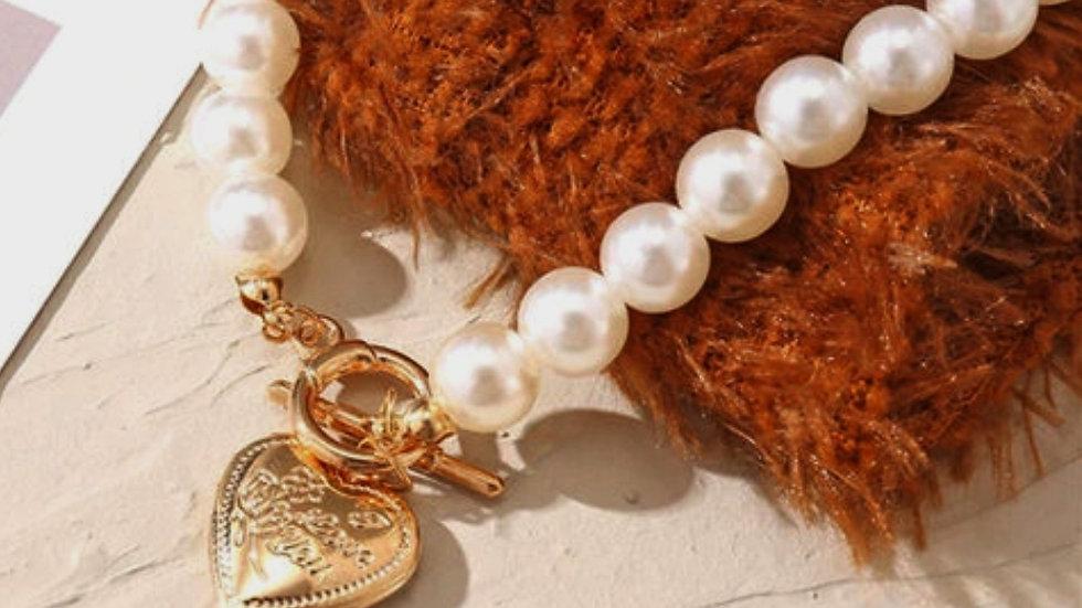 Heart inspired Pearls Chain Neckpiece