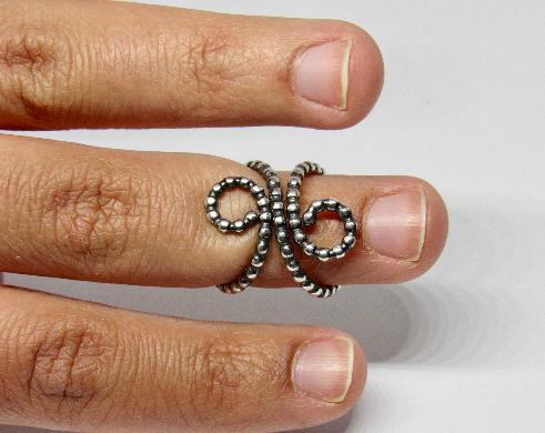 Mallet Finger Splint Ring Oxidised Beads