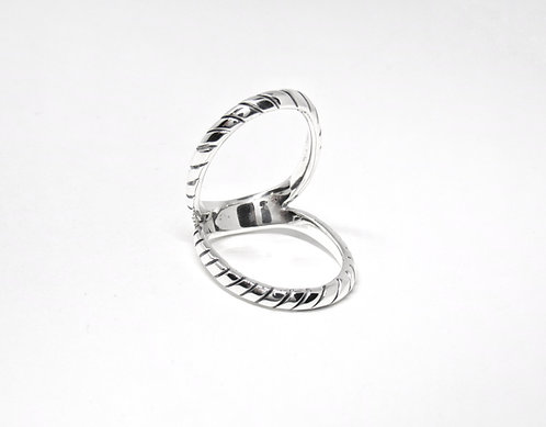 Swan Splint Ring with oxidised lines
