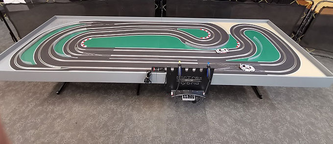 MR TRAX-CSET3350X Hybrid SET - Race up to 6 cars plus 2 ghost cars