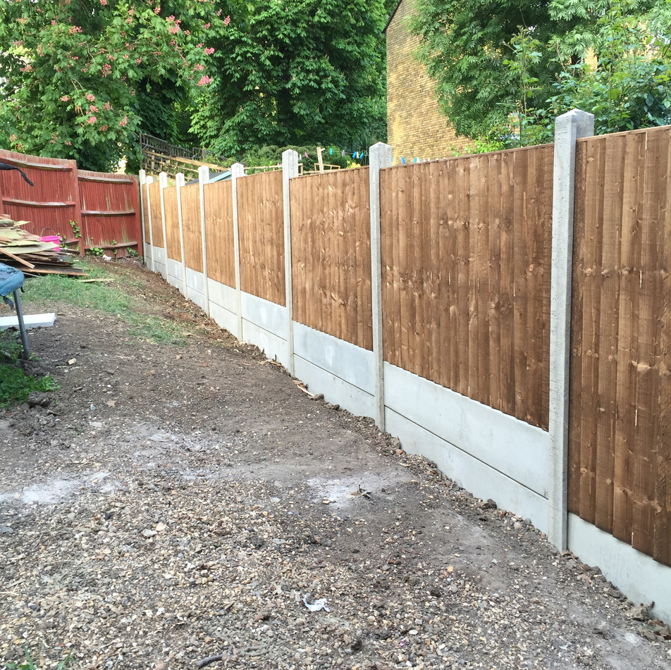 Close Board fence with double Gravel boards