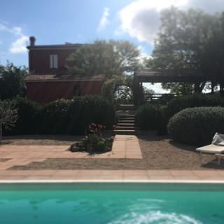 foto piscina villa con forno.jpg