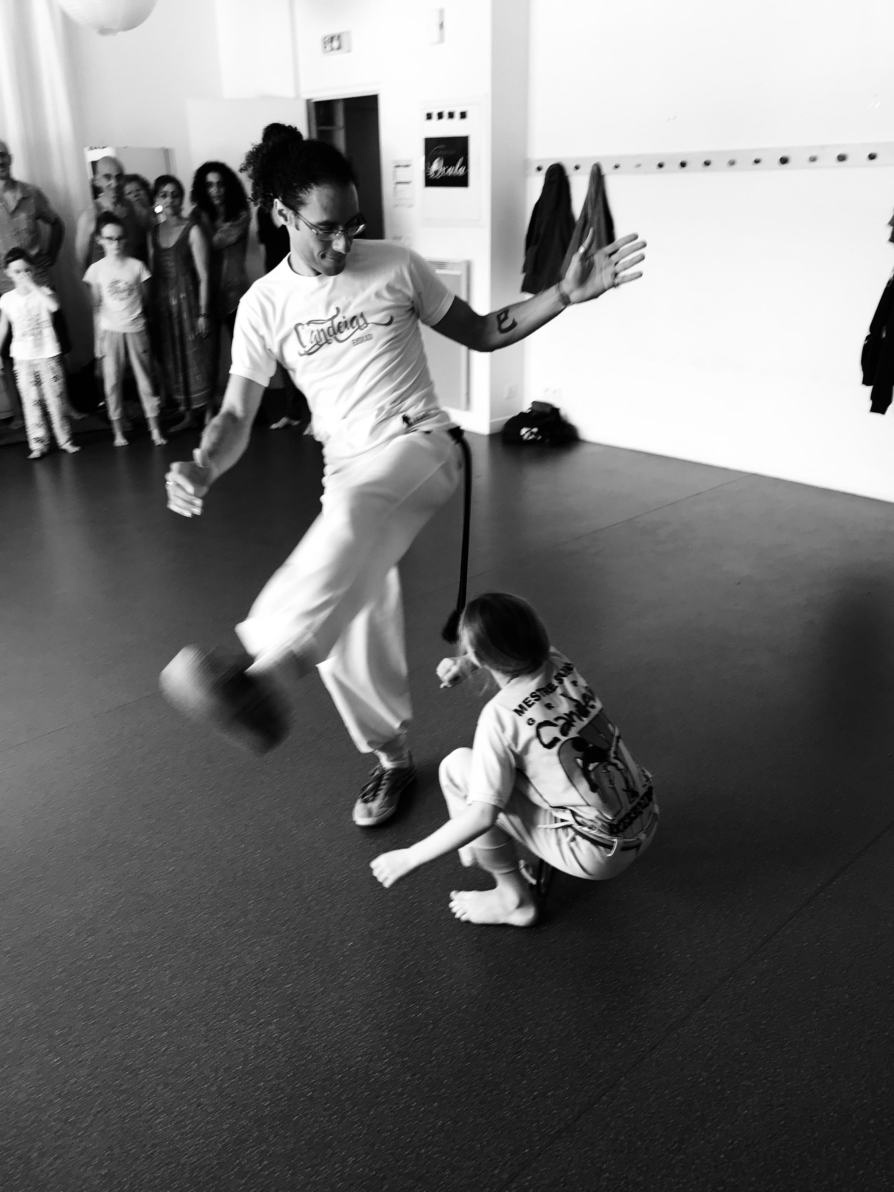 Cours d'initiation - professeur Bambino (CAPOEIRA BIARRITZ SENZALA)