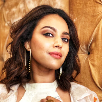 Swara Bhaskar in 1011 earring and ring as one of the panelists at a session at Hind Collage on #decodejustice. Styled by Divya Saini