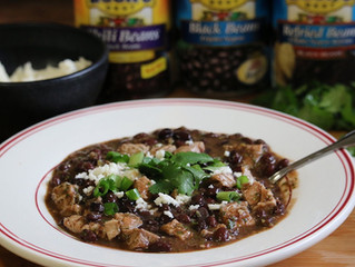 Smoky Salsa Verde Pork & Black Beans Chili