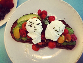 WHAT I'M EATING: Organic Avocado Toast with Poached Eggs & Tomatoes.