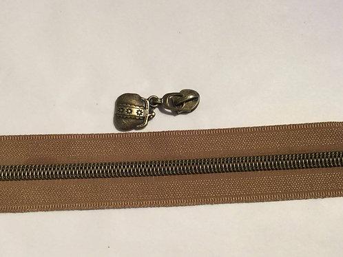 #7 Brass bag pull