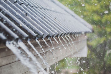 Rain on roof without gutters