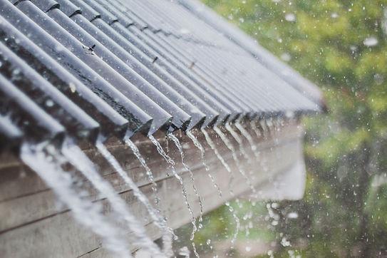 Regen auf Dach