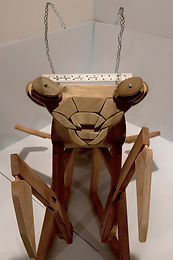 Dormitory chair recycling-  structure of praymantis