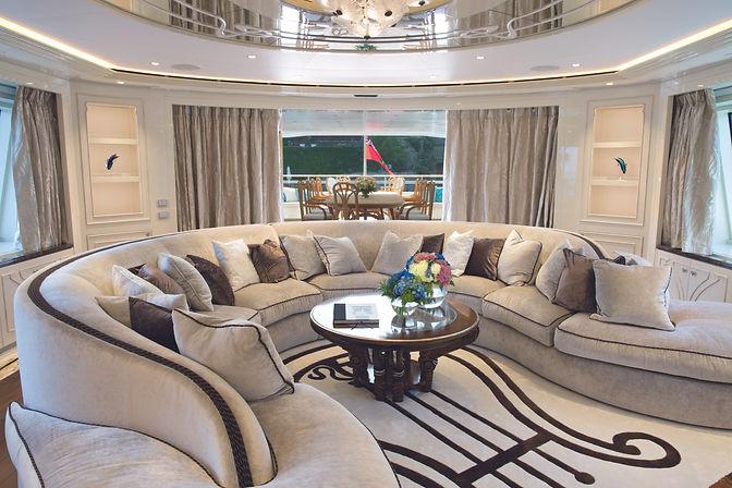 01_yacht_Ferretti.jpg